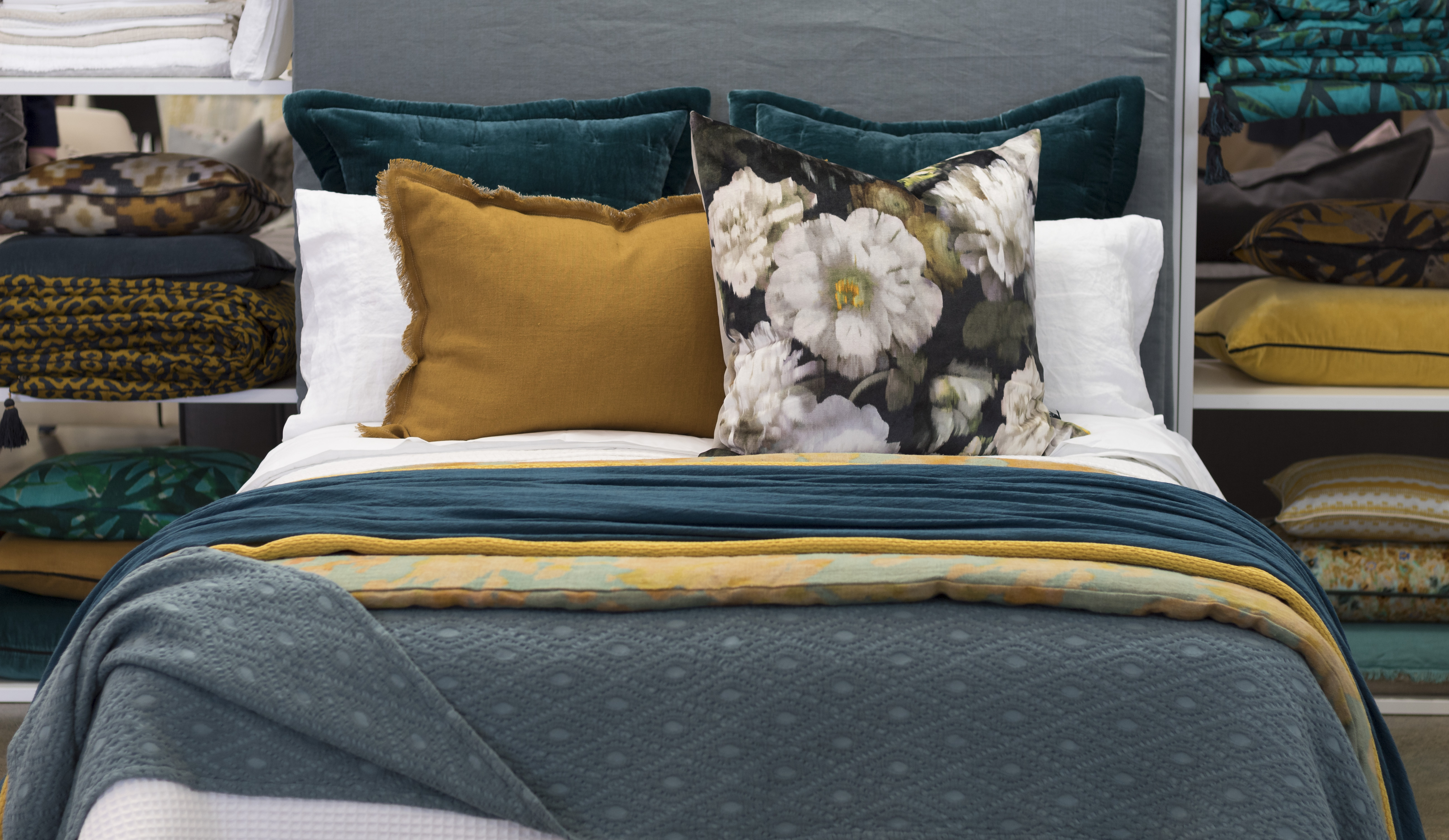 Spring, Design, Bedding, Teal, Mustard, How to dress a bed